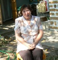 Кина Хицова – с глина и беленица